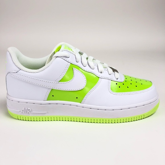Nike Air Force 1 '07 Womens Low Top Sneakers NWT
